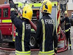 عاجل| اندلاع حريق بالطابق الرابع بمبنى العلاقات الإنسانية بوزارة الداخلية